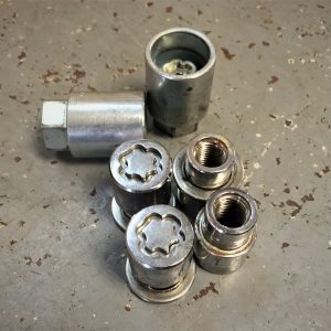 Mitsubishi Evo – Locking Wheel Nuts