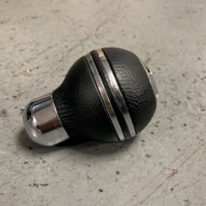 Universal -Momo Italy Leather Gear Knob