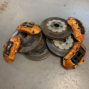 Nissan R35 GTR 09′- OEM Used Brembo Brakes With Discs & Pads (87083010)